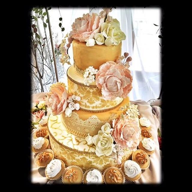 Vintage Golden Wedding Cake