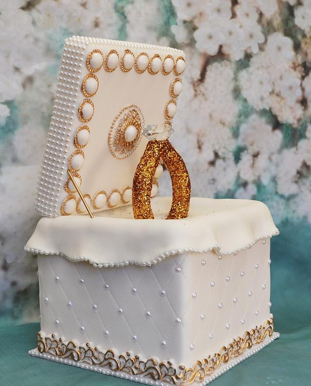 Ring Cake Box