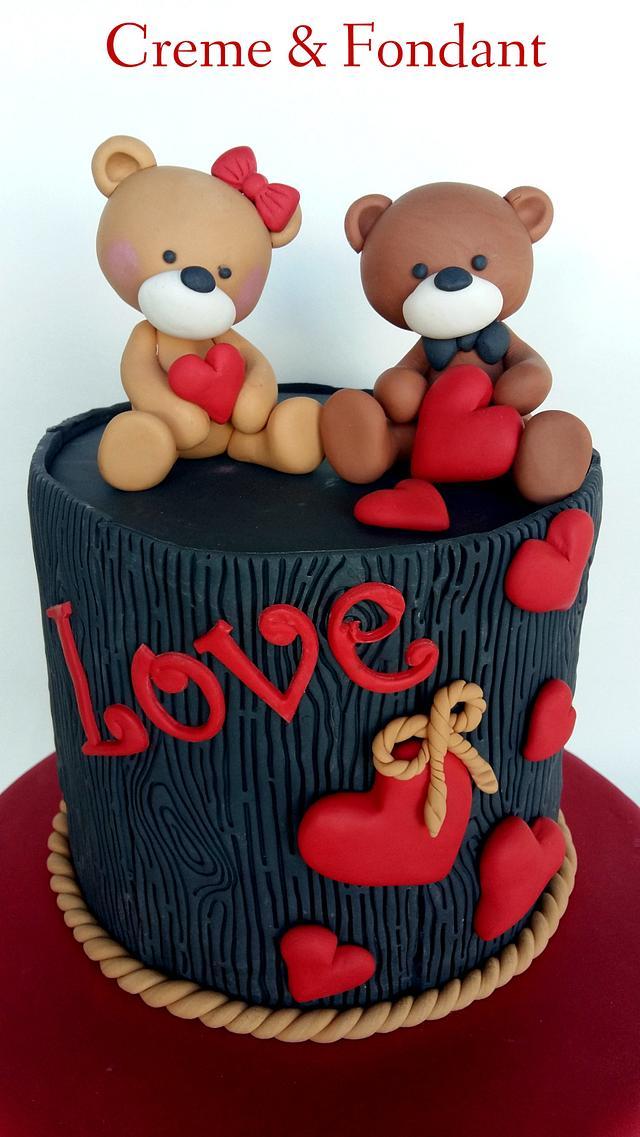 Bears  in love cake
