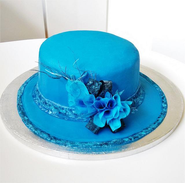 Queen Elizabeth's hat cake ❣