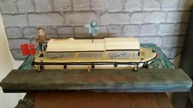 Boards boat cake
