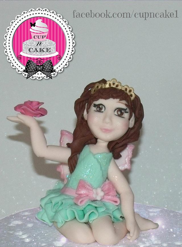 Fairy fondant cake topper