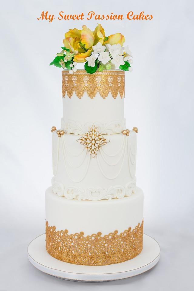 Gold Glamour wedding cake