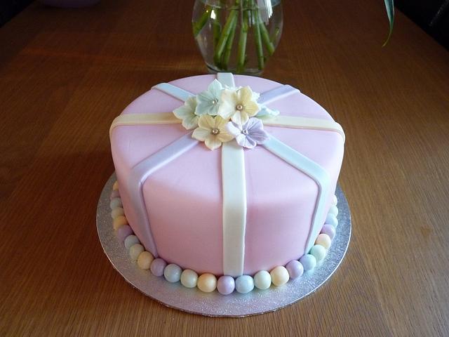 Ladys Birthday Cake