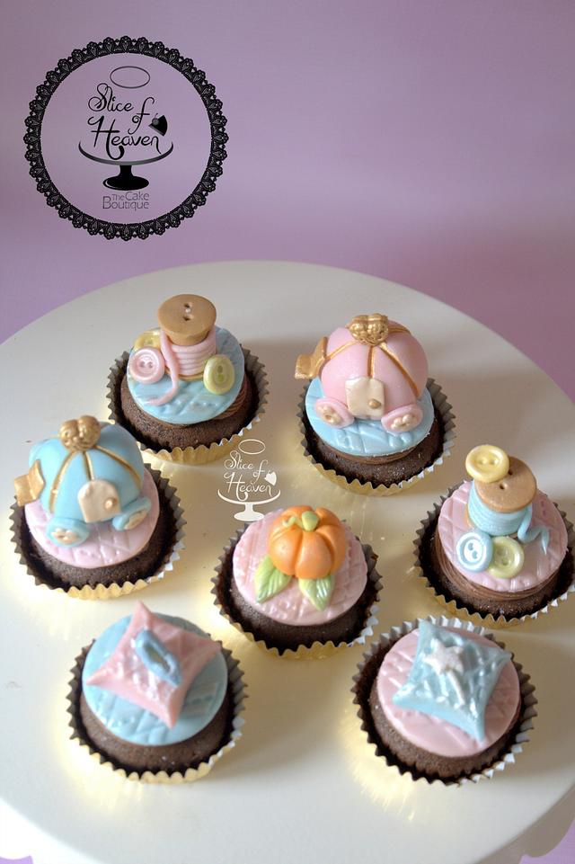 Cindrella themed cupcakes