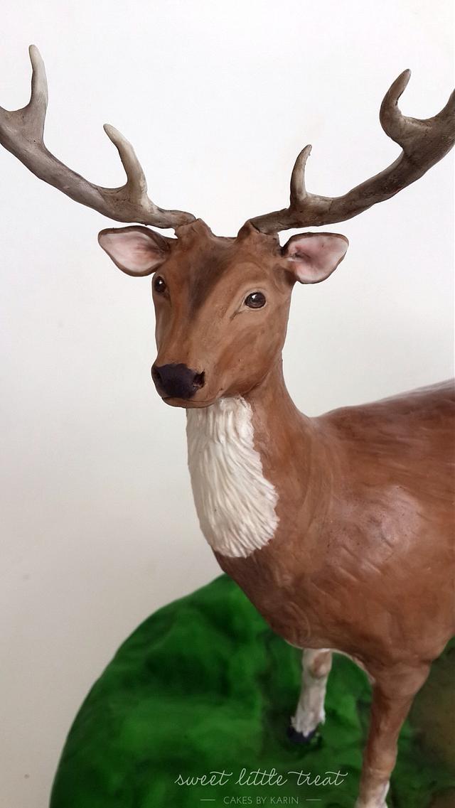 A realistic deer cake