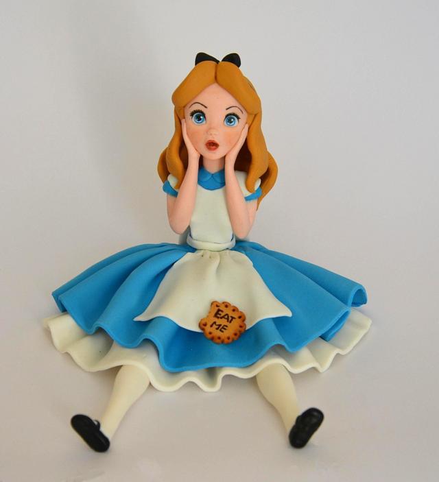 Alice in Wonderland fondant cake toppers