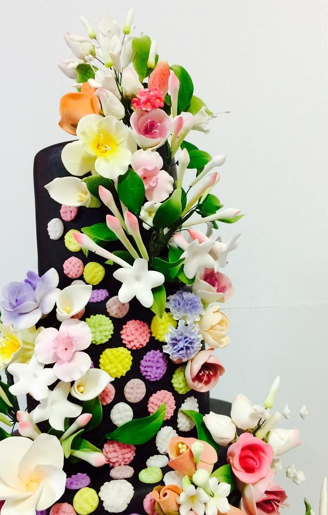 BLACK BOLD & BEAUTIFUL  Weddings of A Different Shade  Cakes that Break The Mold