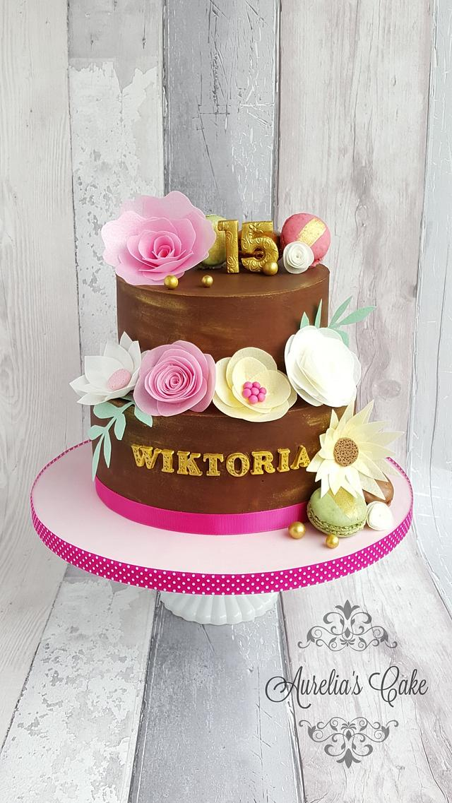 Wafer paper flowers cake