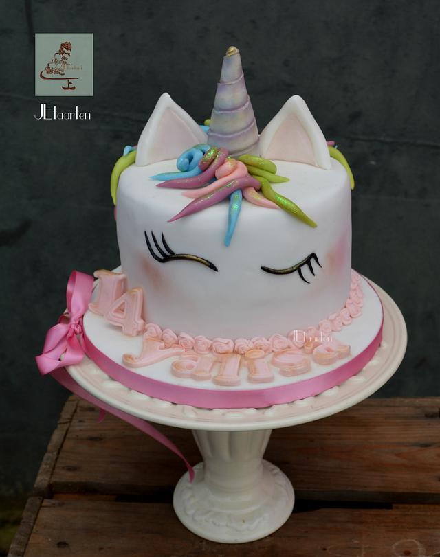 sweet little unicorncake