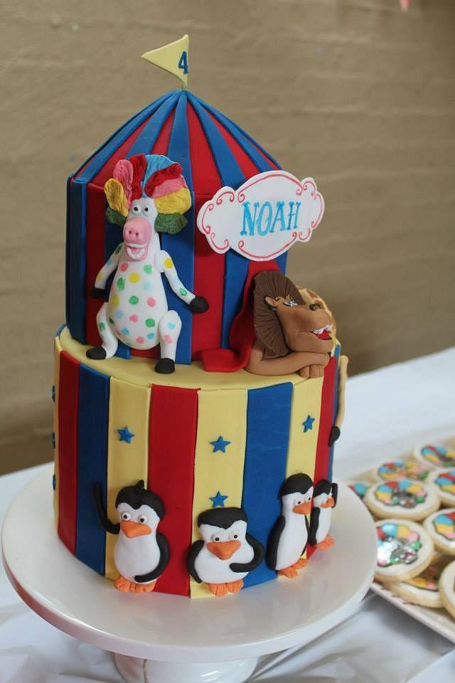Madagascar 3 - Afro circus cakes
