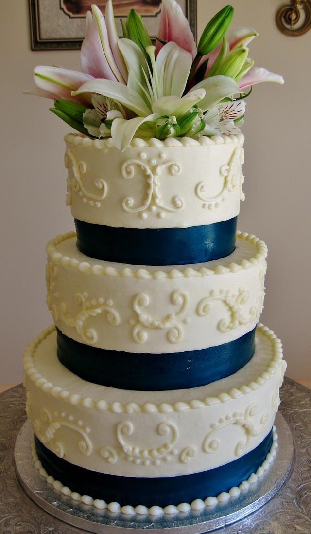 Lily Buttercream wedding cake