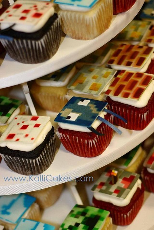 Minecraft Cupcakes & Cake