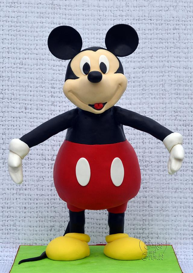 Mikey mouse cake