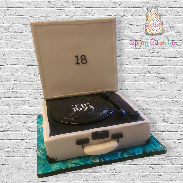 Vintage vinyl record player cake