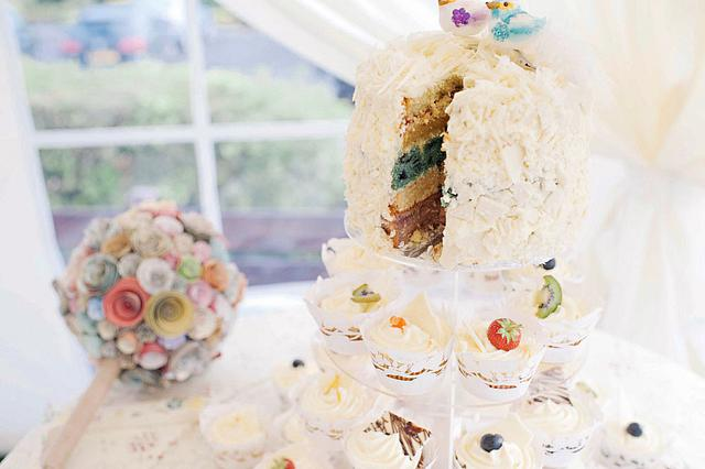 Free From Food Colouring! Natural Wedding Cake & Cupcakes