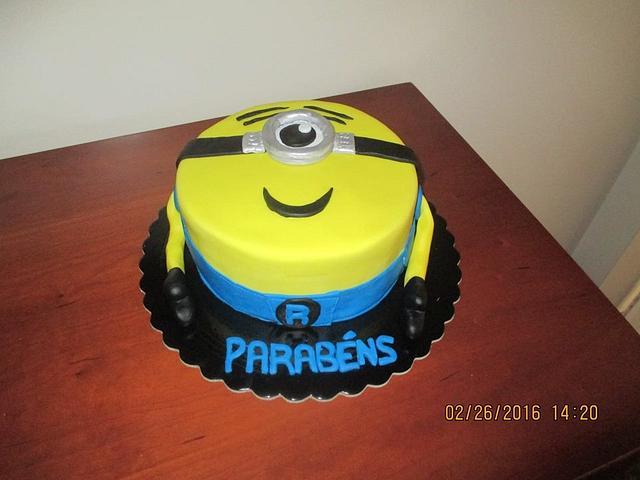 Minnion Cake