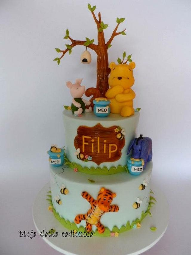 Whiniee the Poo cake