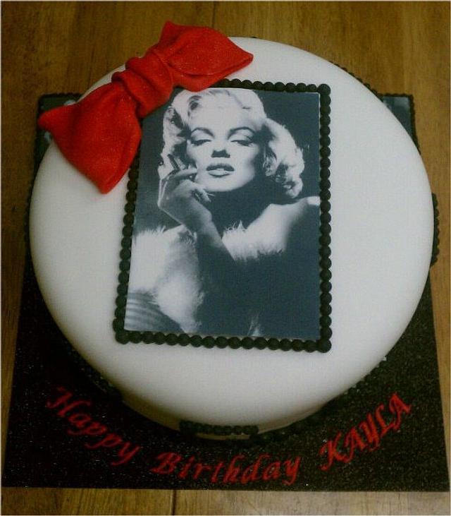 Marily Monroe Cake