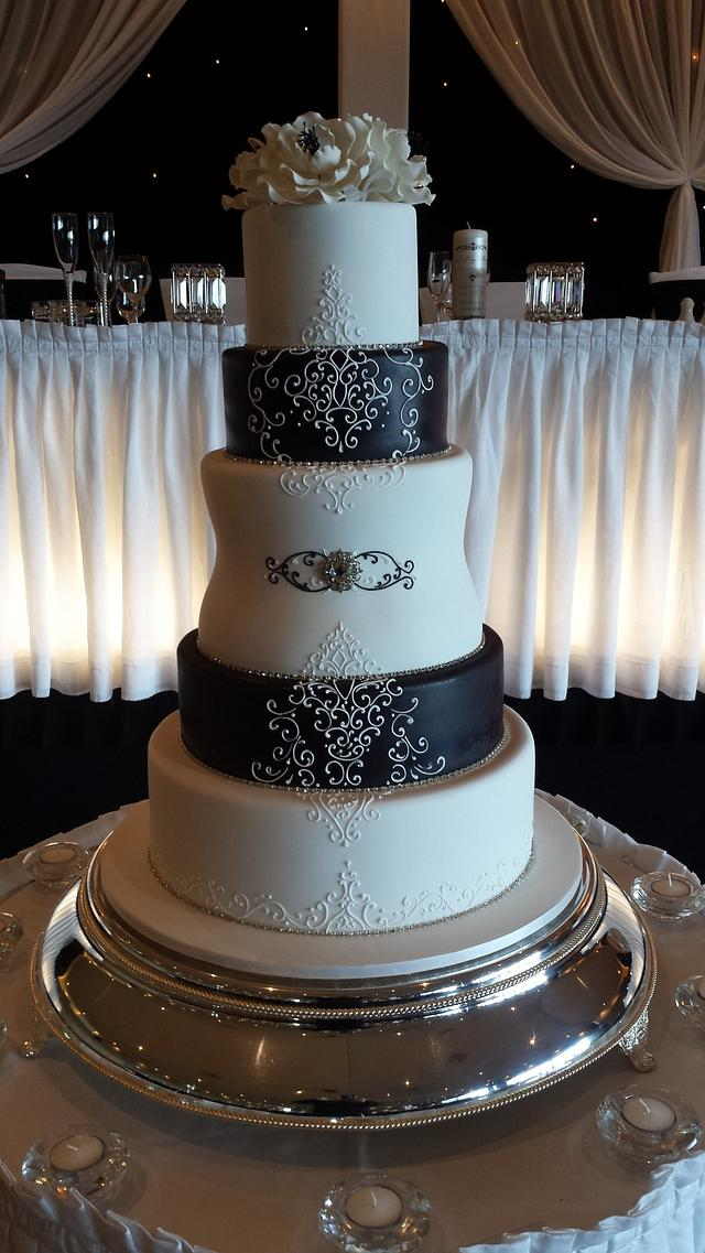 Black and white 5tier cake