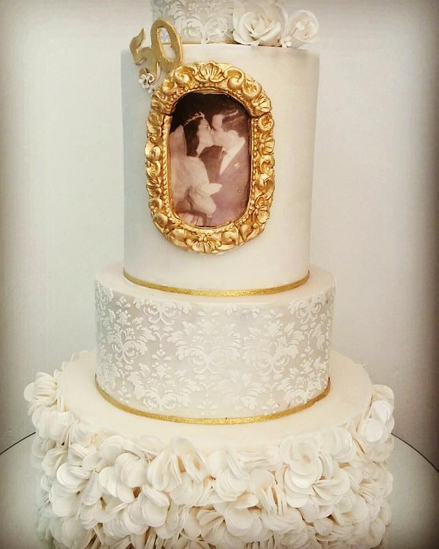 Wedding cake 50 years