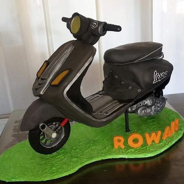 Scooter cake!!! 🛵🛵🛵