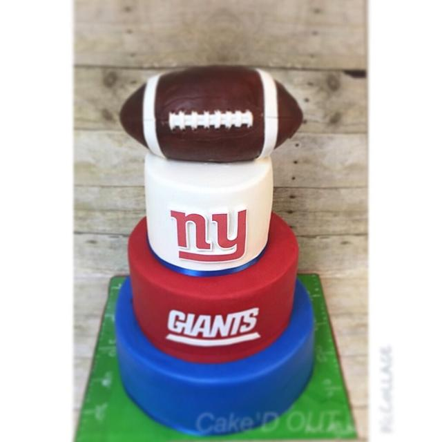 Cool Ny Giants Wedding Cake Yup Wedding Cake By Jaclyn Cakesdecor Funny Birthday Cards Online Inifodamsfinfo