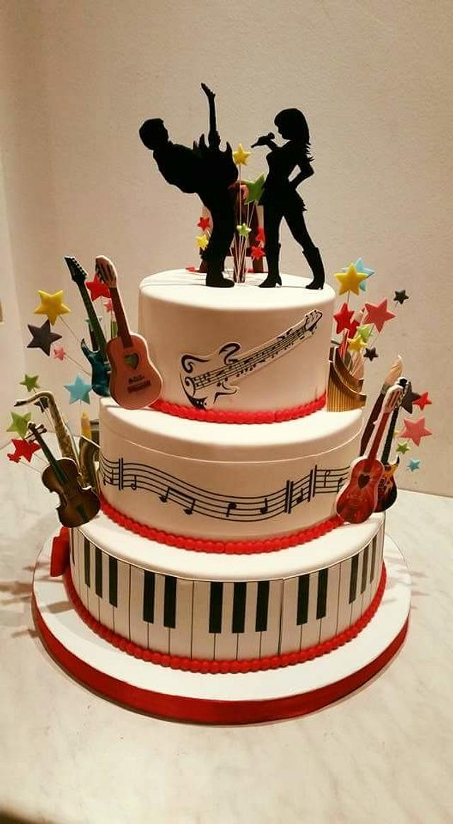 Music and painting cake