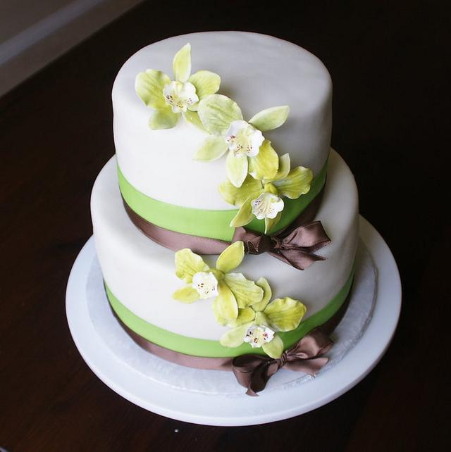 green and brown theme wedding
