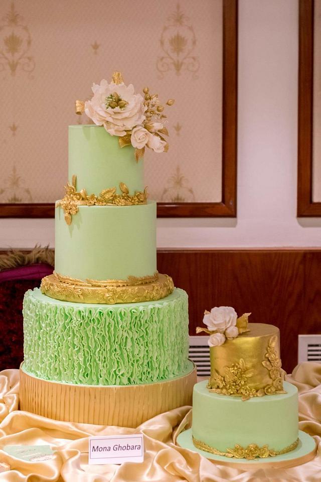 I love emerald green