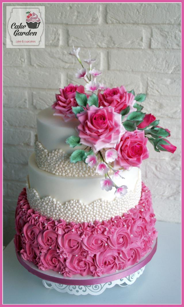 Weddingcake pink roses & pearls