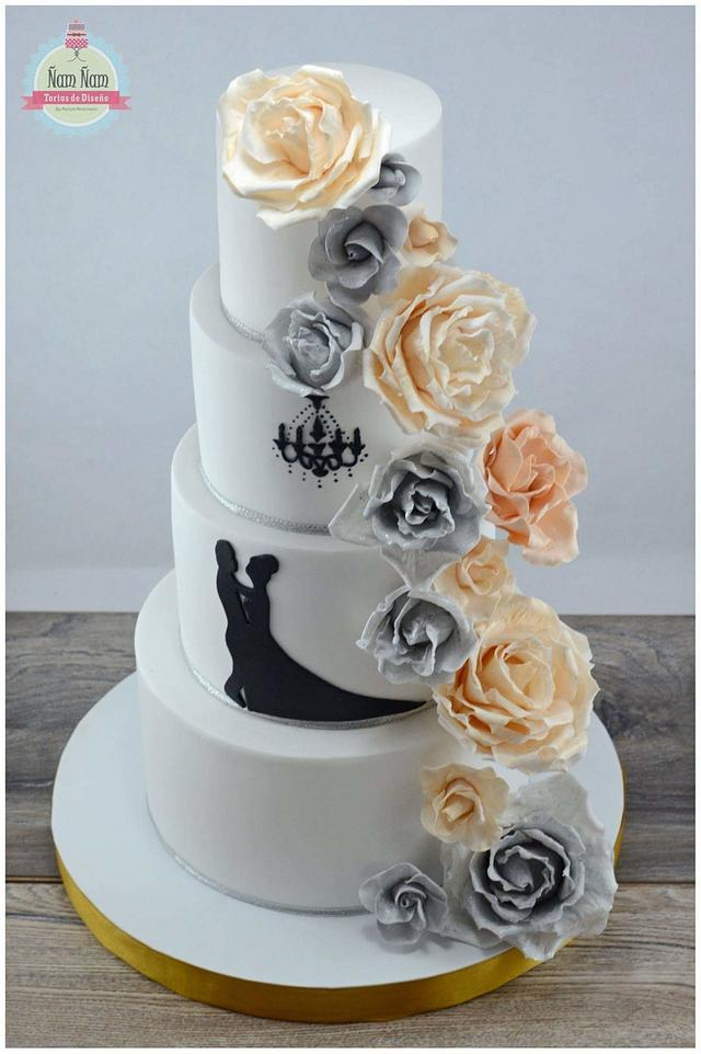 Wedding cake in silver and gold