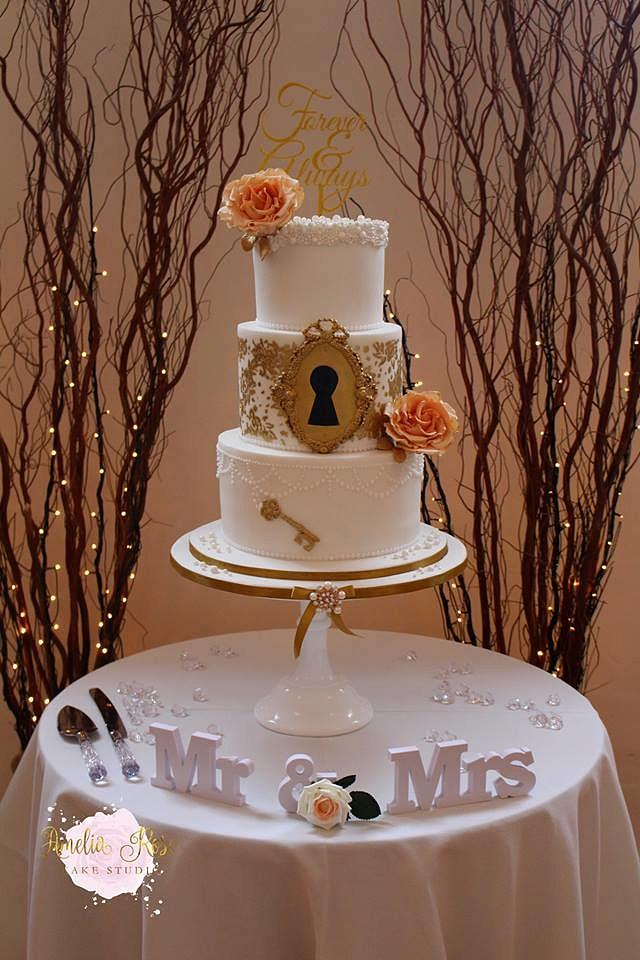 Key to my heart wedding cake...