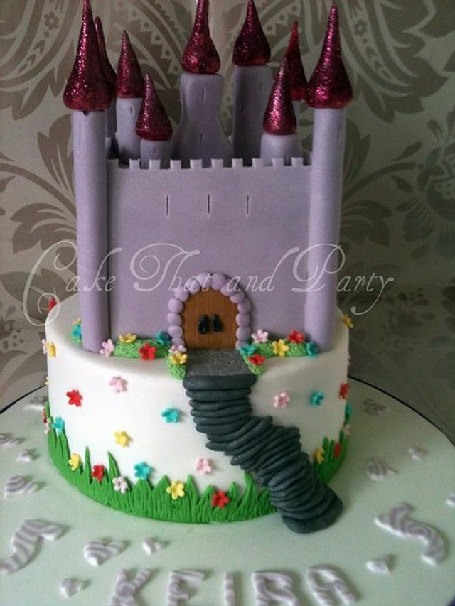 pretty castle two tier
