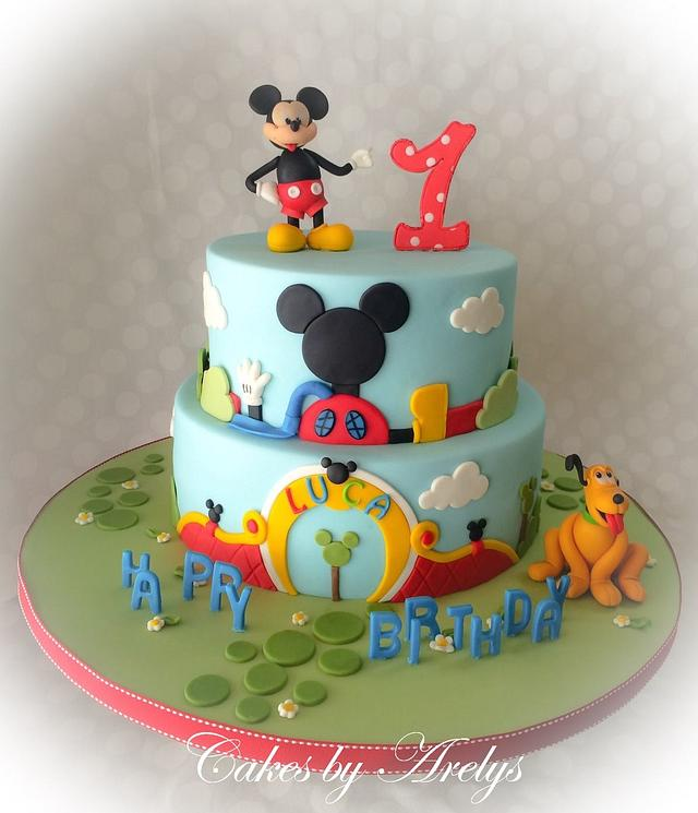 Mickey clubhouse cake and cupcakes