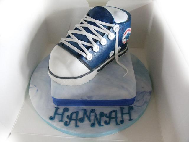 converse trainer cake