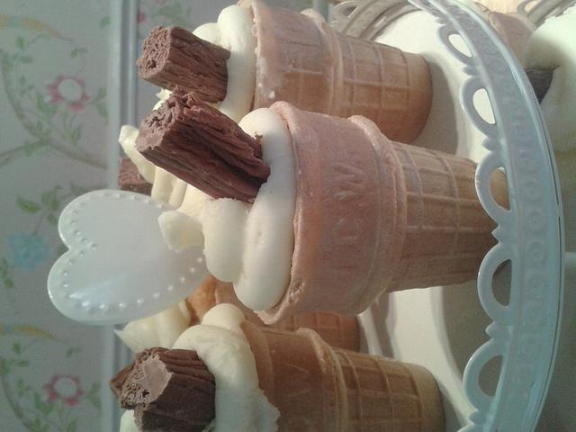 99 ice cream cupcakes