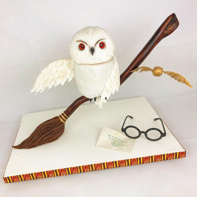 Harry Potter gravity cake