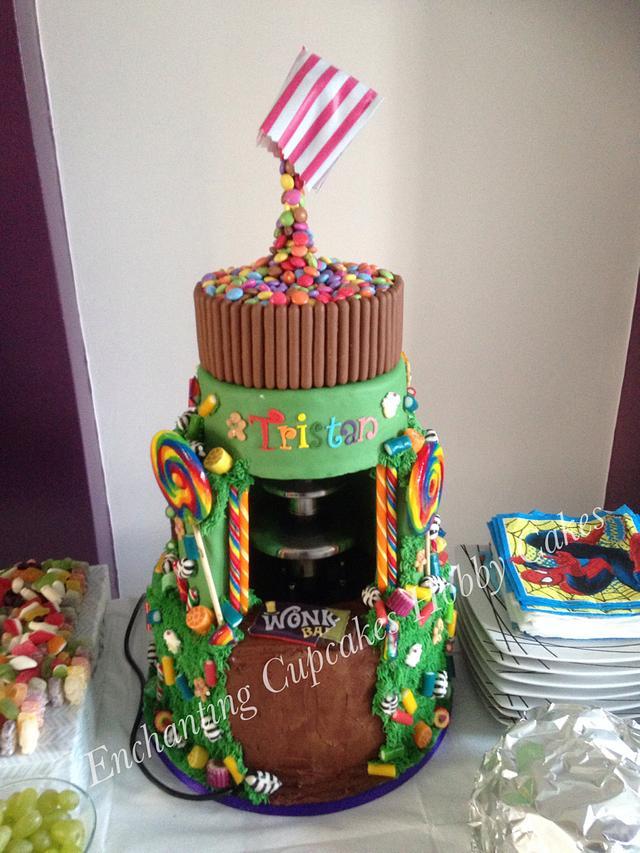 Chocolate fountain cake