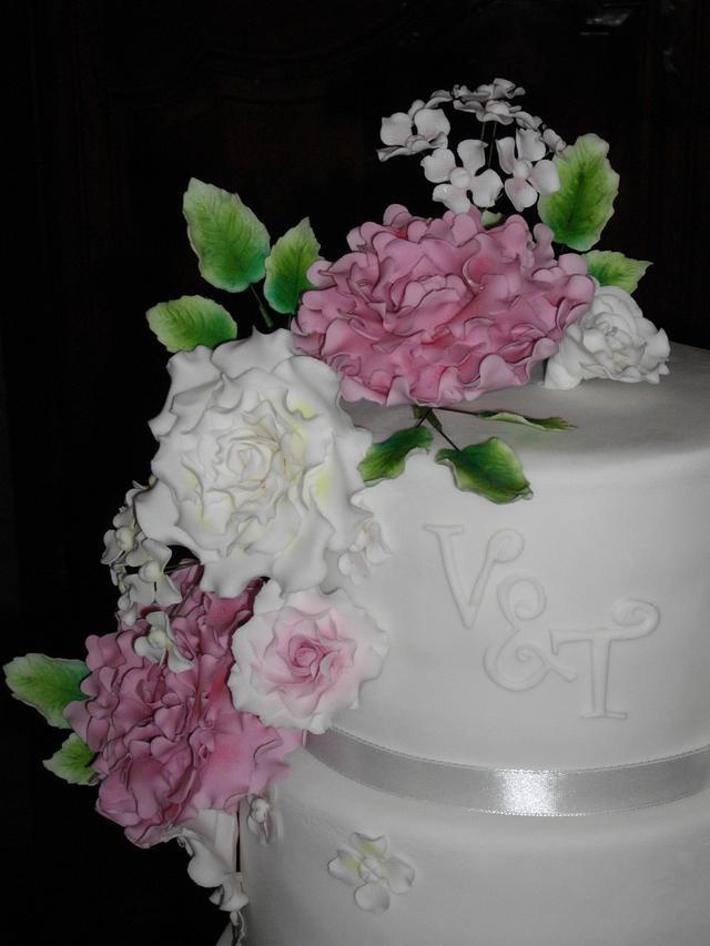 """Old Pink"" peony wedding cake"