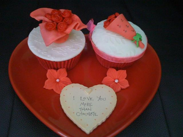 Say it with flowers valentines cupcakes