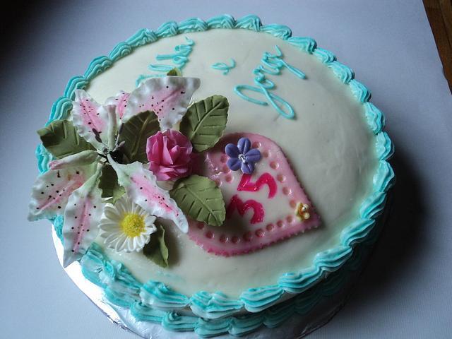 Stargazer lilly Anniversary Cake