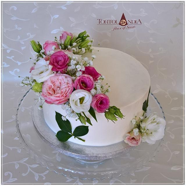 Tremendous Birthday Cake Fresh Flowers Cake By Tortolandia Cakesdecor Funny Birthday Cards Online Inifofree Goldxyz