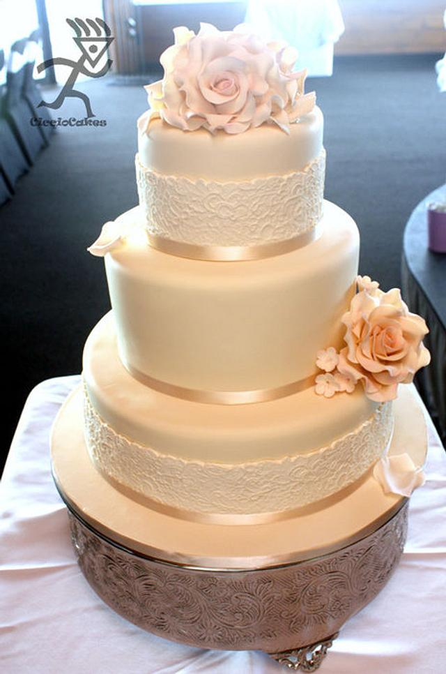 Vintage Wedding with Sugar Flowers & Edible Lace