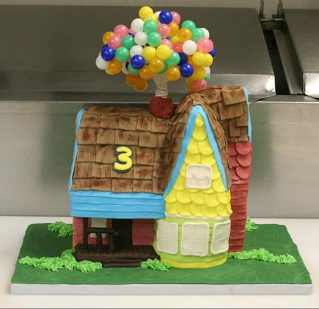 "3D ""Up"" Cake"