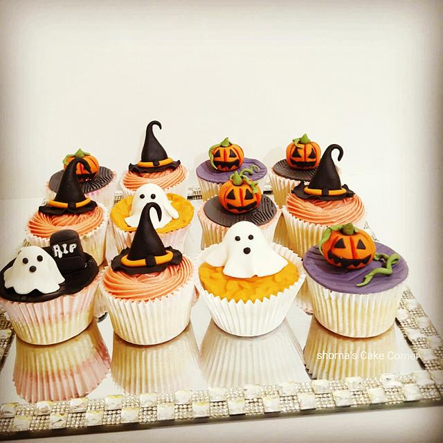 Halloween theme cupcakes