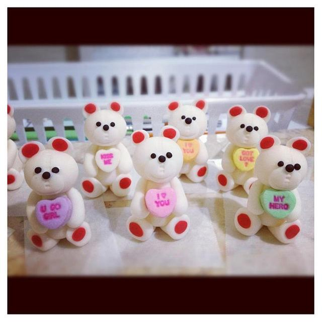 Dark Chocolate Mud Cake and Cupcakes with Teddy Bear toppers (^_^)