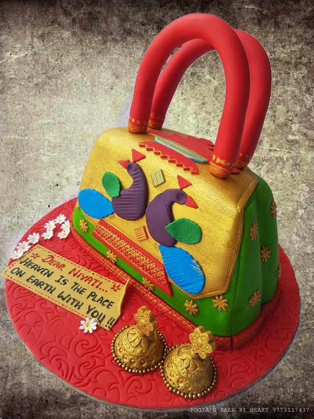 Paithani Purse Cake
