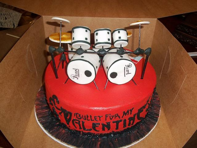 Bullet for my Valentine drum set cake