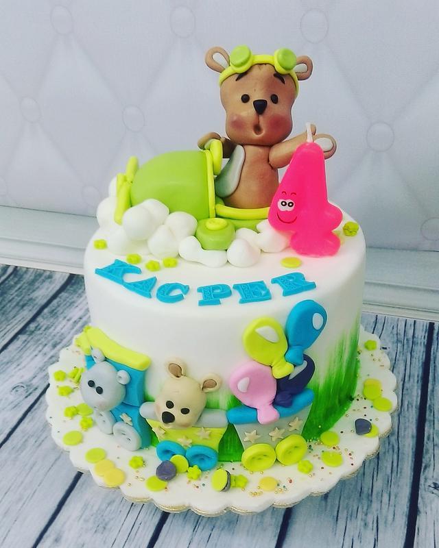 Teddy bear in plane cake